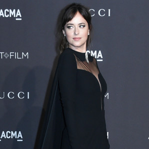 dakota-johnson-en-la-noche-angelina