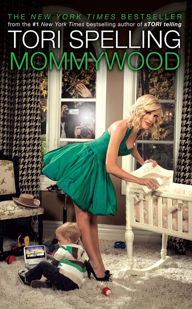 9--mommywood-tori-spelling