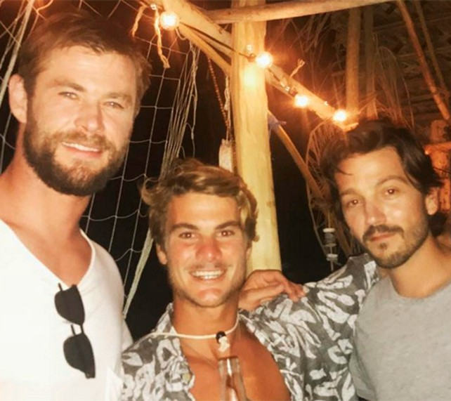 diego-luna-y-chris-hemsworth