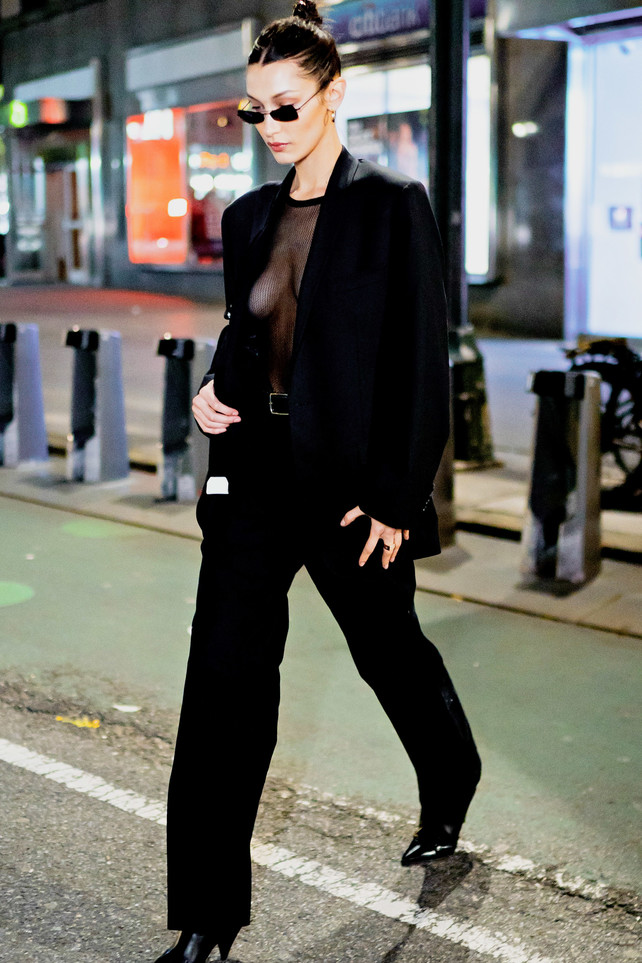 total-black-look,-bella-hadid-sin-concesiones